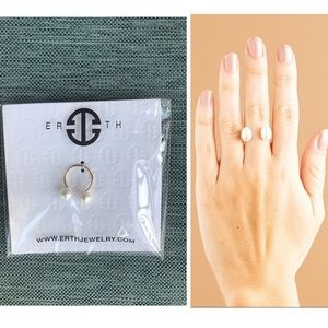"ERTH ""Tu & yo"" adjustable pearl ring NWT!"